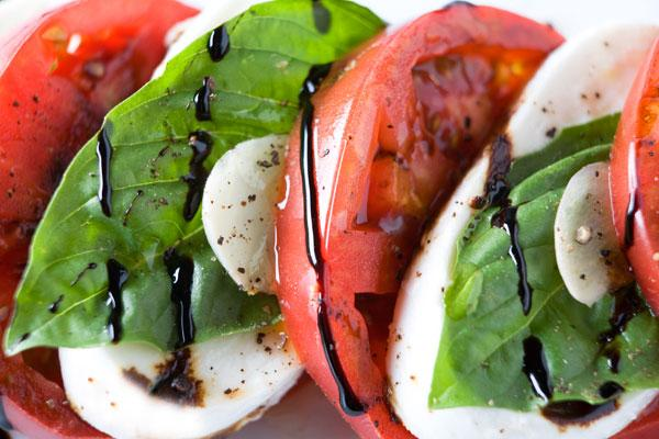 heirloom_caprese_balsamic03